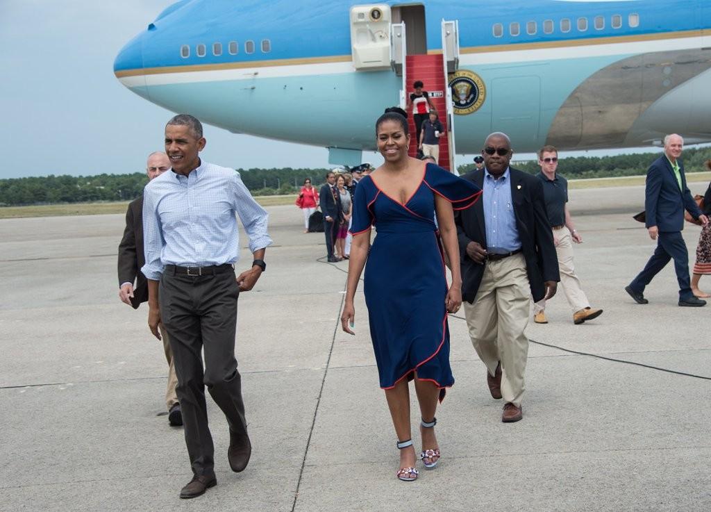 Michelle-Obama-Dress-Vacation-Martha-Vineyard-2016 (9)