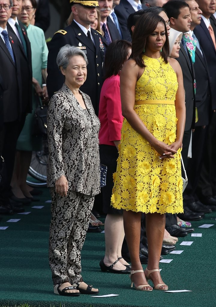 Michelle-Obama-Yellow-Naeem-Khan-Dress-August-2016 (2)
