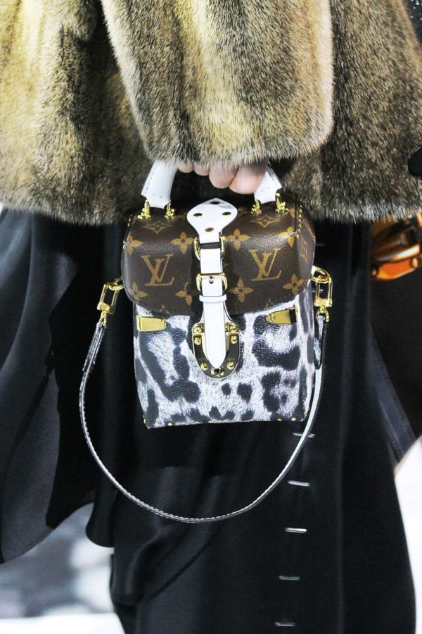 mini-camera-fall-bags-louis-vuitton-600x900