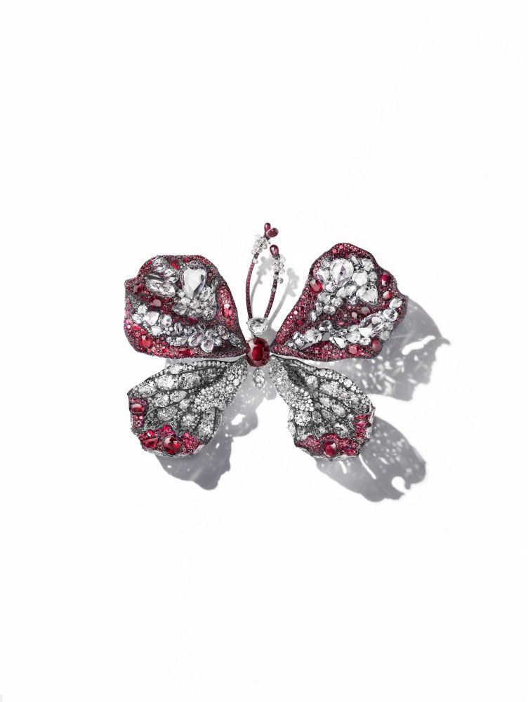 resized_cindy-chao-the-art-jewel_2015-16-ruby-butterfly_