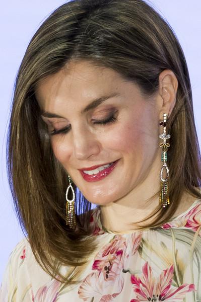 chandelier-gemstone-earrings-queen-letizia