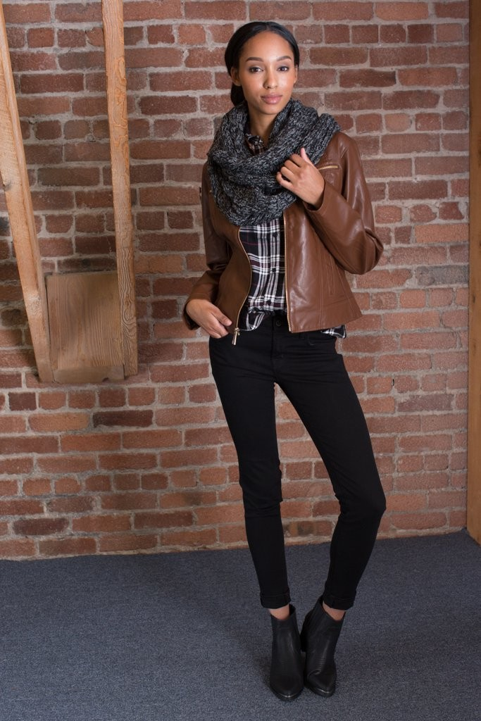 layer-chunky-scarf-over-leather-jacket