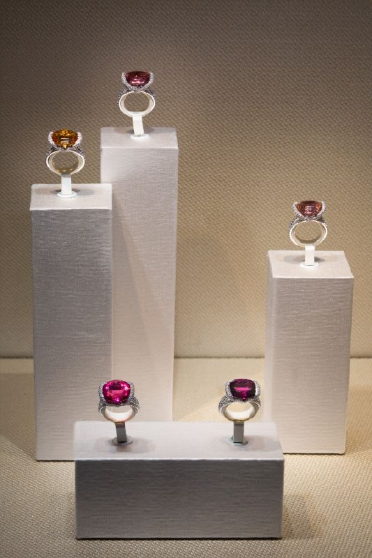 resized_resized_chaumet-bridal-boutique-at-place-vendome-15