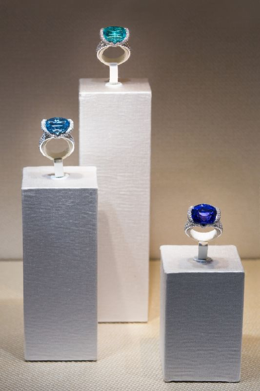 resized_resized_chaumet-bridal-boutique-at-place-vendome-16