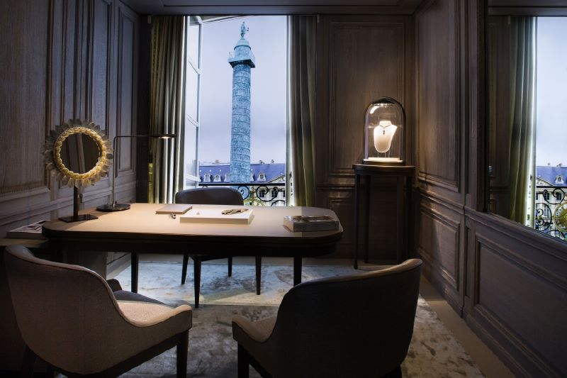 resized_resized_chaumet-bridal-boutique-at-place-vendome-18