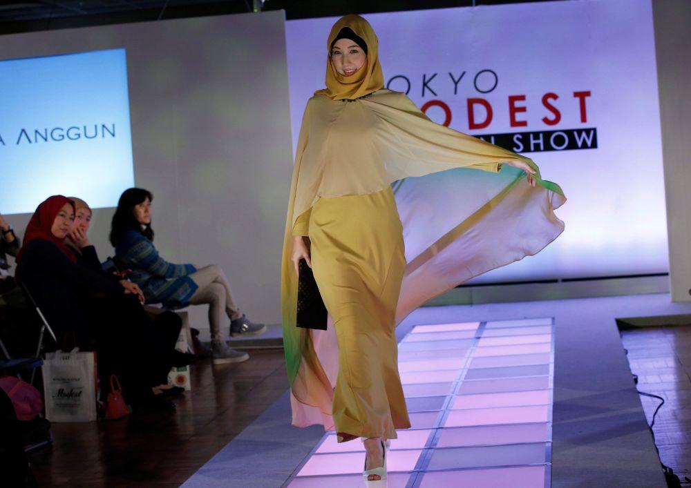 عرض أزياء المحجبات الأول في اليابان