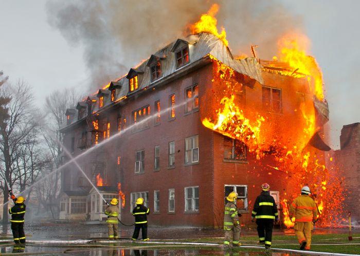 إخماد حريق بجامعة أم القرى