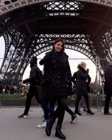 سيرين عبد النور في باريس  لقضاء عطلة ما قبل عيد الميلاد