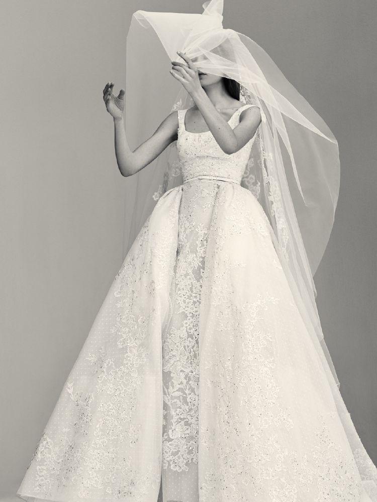 فساتين أخرى للعروس مصممة خصيصا من أجل العروس الرقيقة الخجولة
