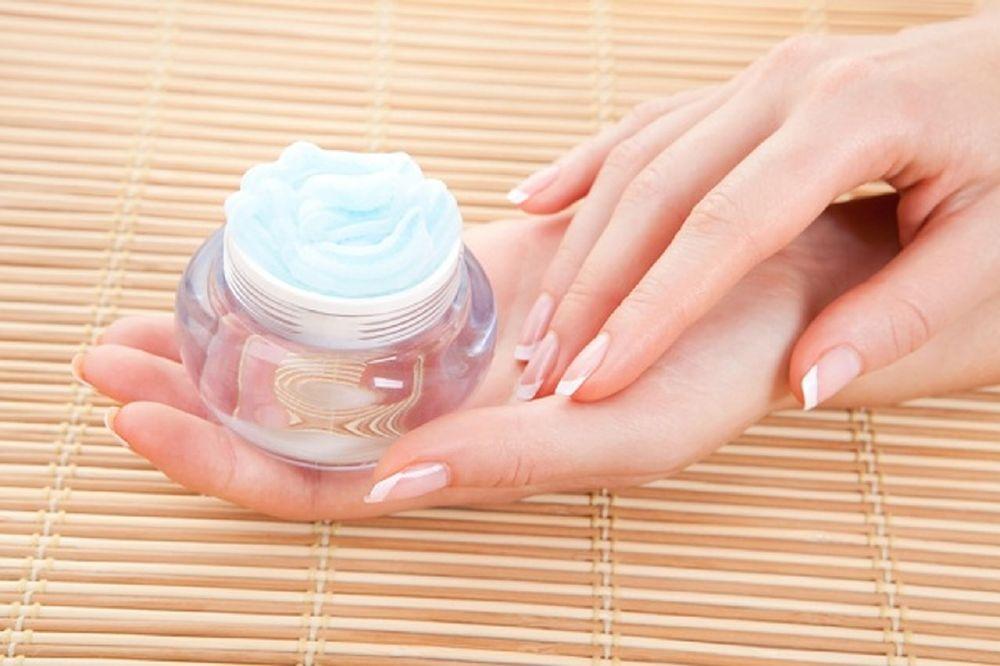 كريمات الترطيب حل سريع وآمن يخلصك من جفاف اليدين