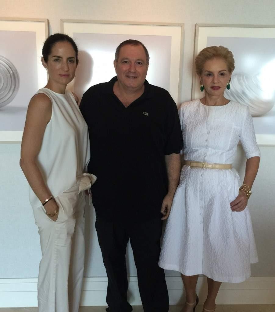 عدنان الكاتب مع كارولينا هيريرا وابنتها