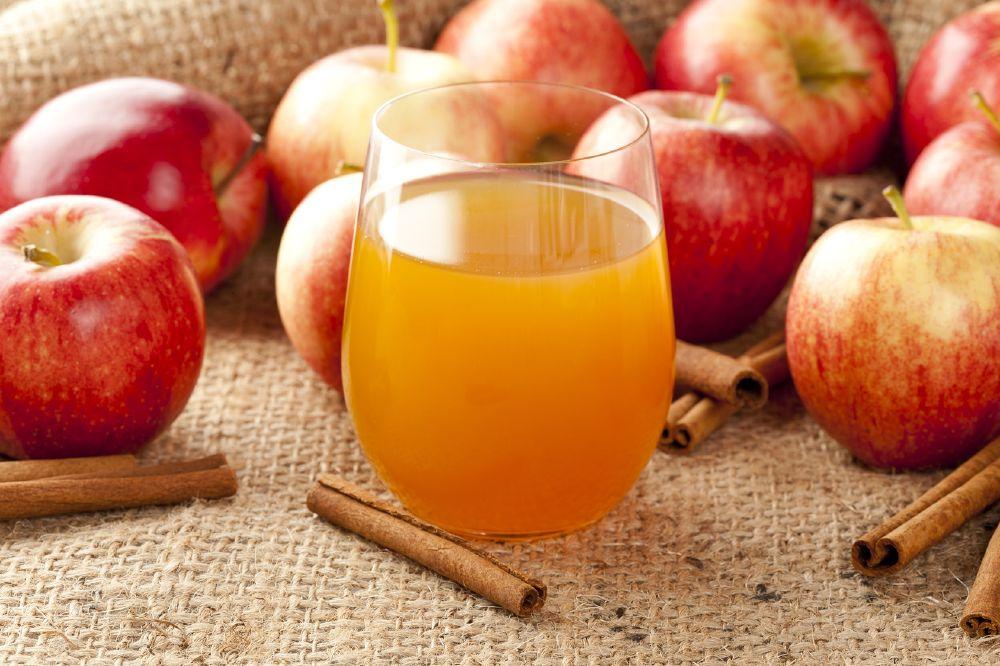 عصير التفاح الدافئ