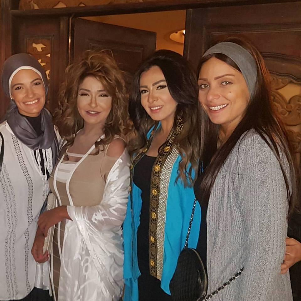 رريم البارودي مع أبطال مسلسل السبع بنات
