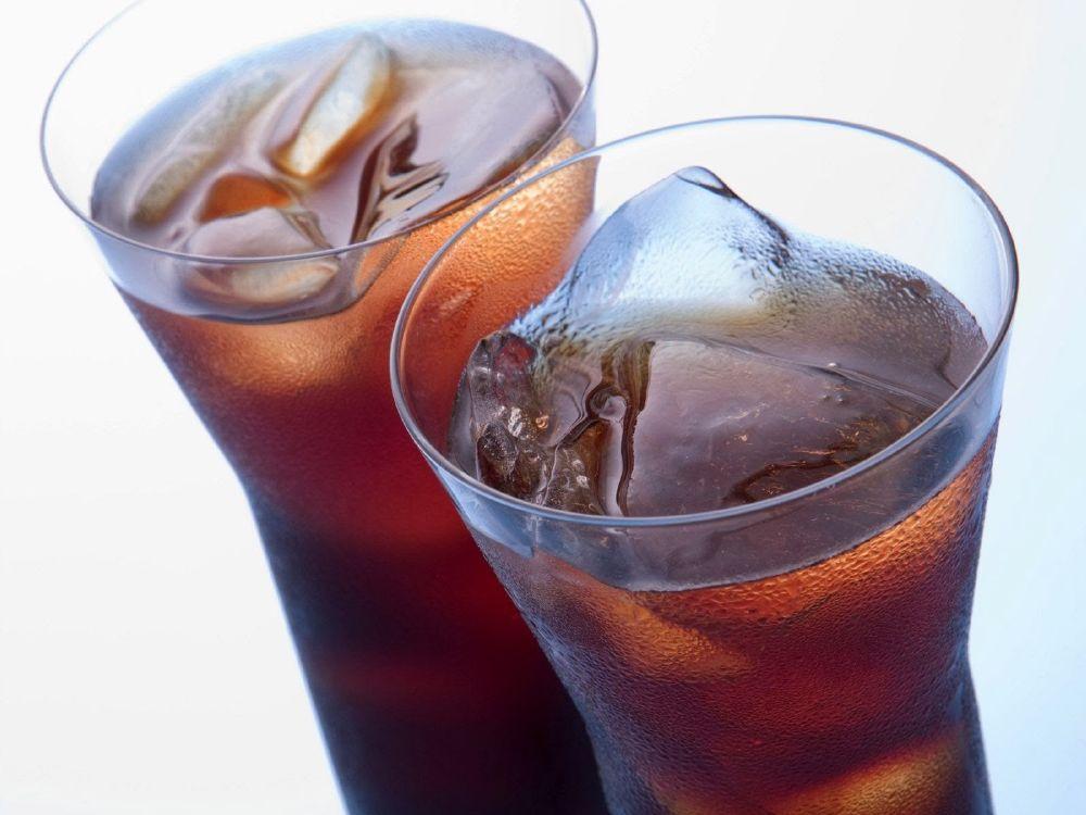 المشروبات الغازية تسبب ضررا على العظام