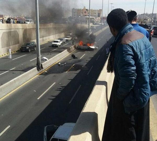 تفحم ثلاثة أشخاص في السعودية إثر حادث مروري