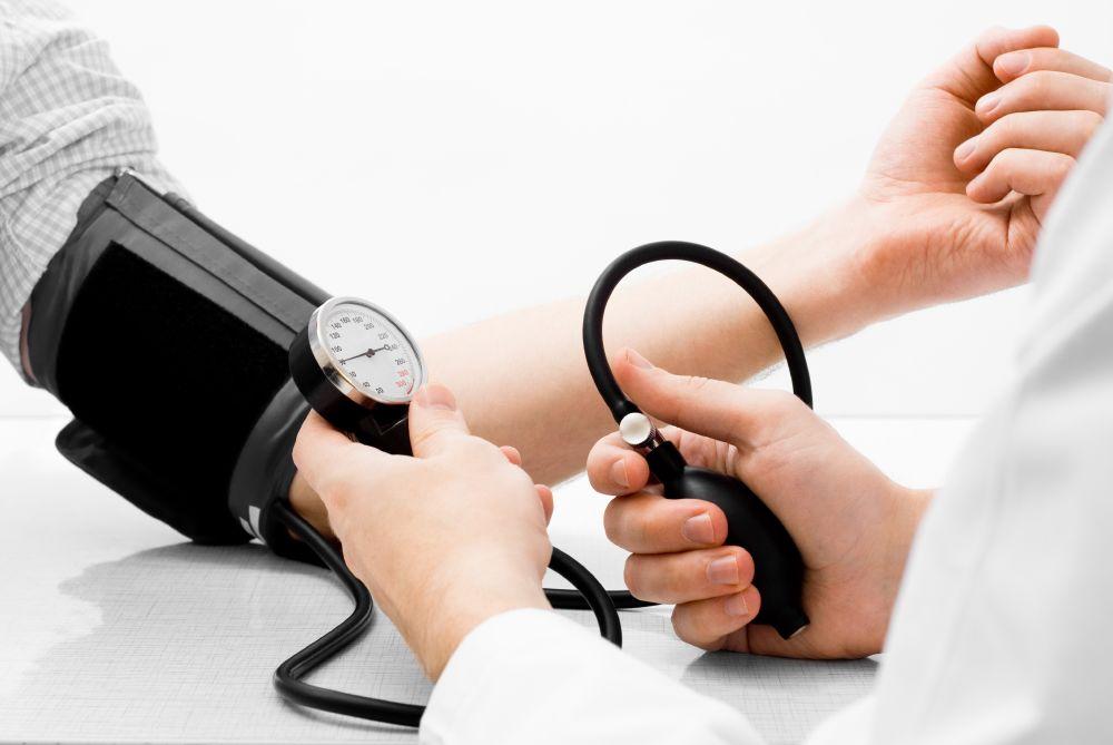 تفقد ضغط الدم على فترات منتظمة قد يساهم في إنقاذ حياتك