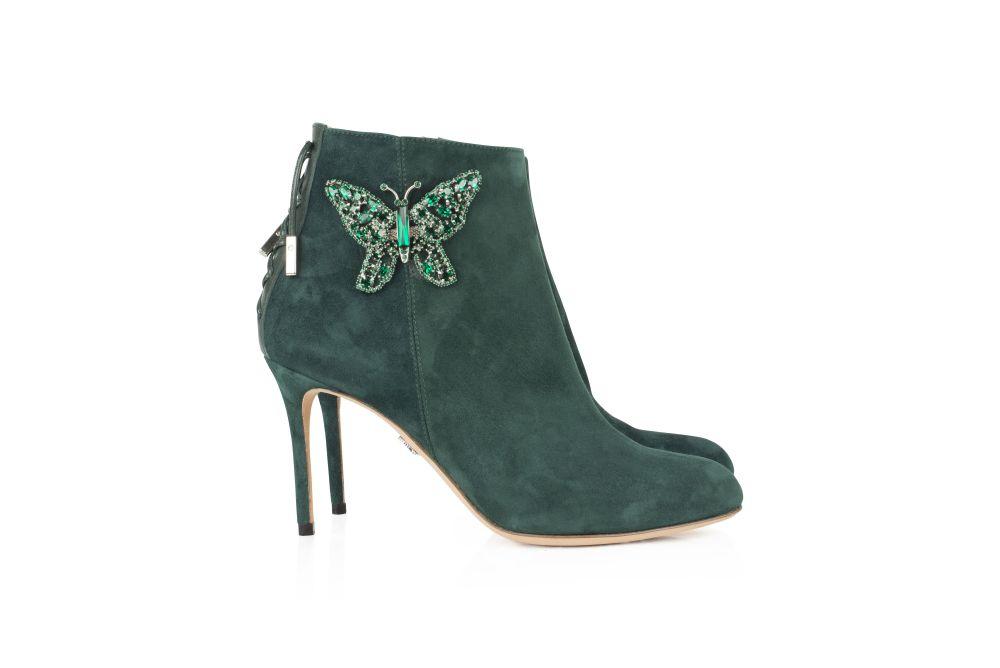 حذاء من ماركة Aruna Seth