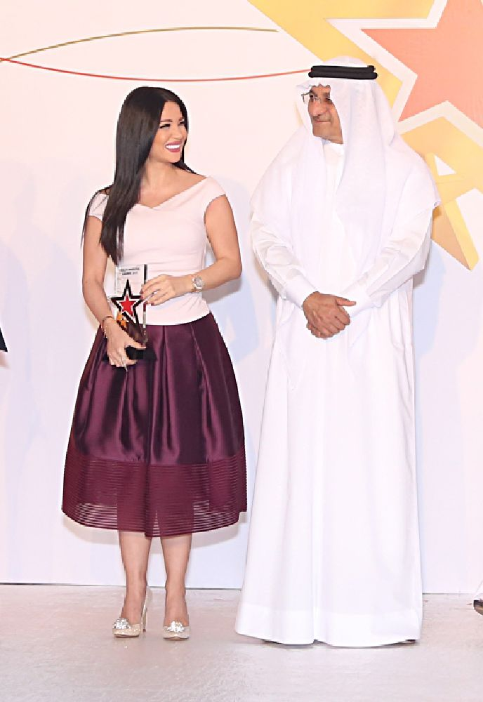 ديانا حداد مع رئيس مجلس إدارة هيئة الصحة بدبي