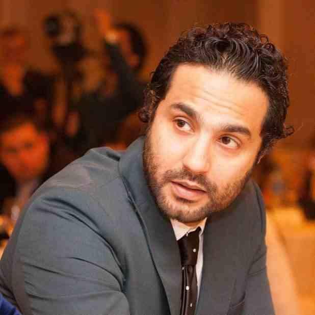 كريم فهمي يتحدث عن موقف محرج تعرض له مع زوجته
