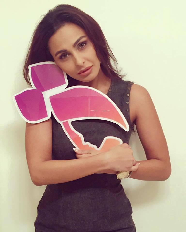 ميس حمدان تشارك في حملة التاء المربوطة