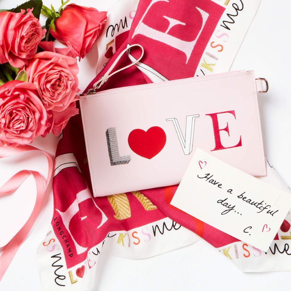2017 مجموعة لونشان KISS & LOVE