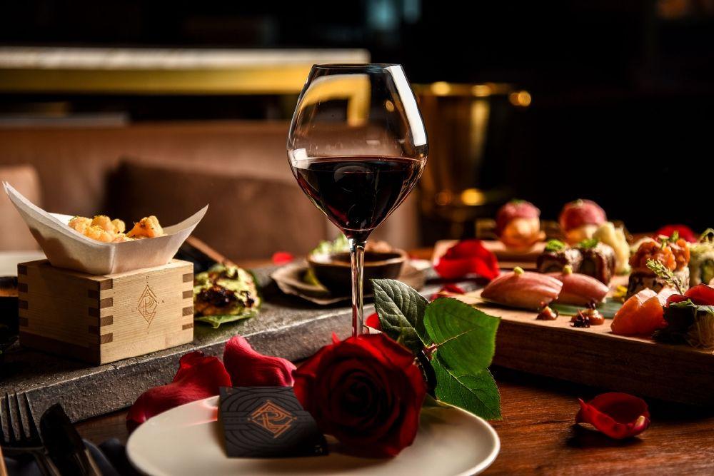 عيد الحب القادم مع مطعم ولاونج