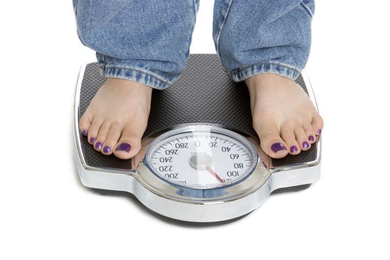زيادة الوزن في أجزاء مختلفة من الجسم دلالة على عدم التوازن في الهرمونات