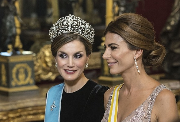 اناقة ليتيزيا ملكة إسبانيا %D9%85%D9%84%D9%83%D