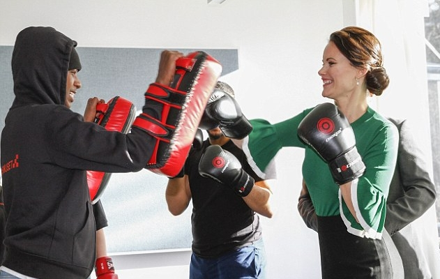 الأميرة صوفيا تتدرب على رياضة الملاكمة