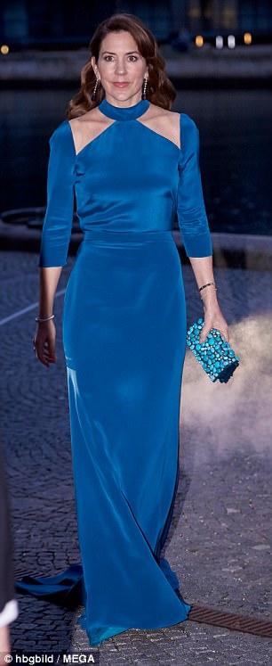 الأميرة ماري في إطلالة أنيقة في الليلة الأخيرة لملك وملكة بلجيكا في الدنمارك