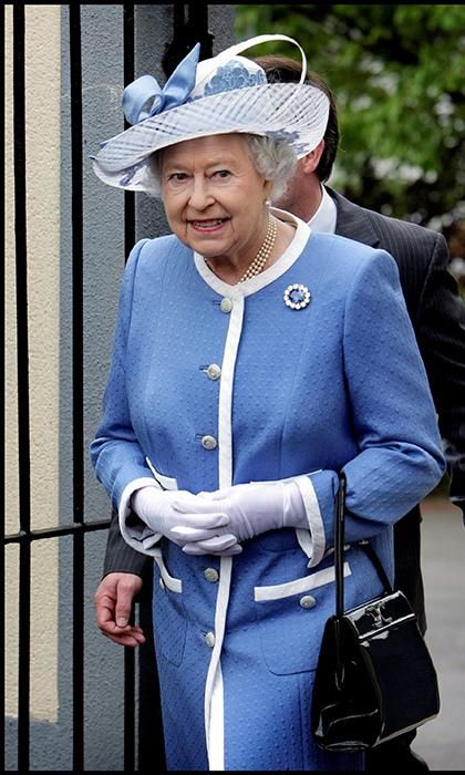 البروش المفضل لدى الملكة إليزابيث الثانية
