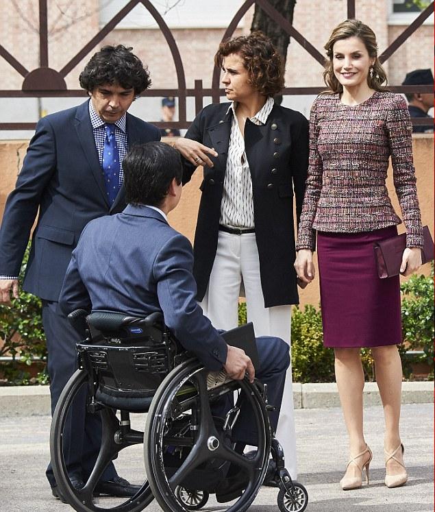 الملكة ليتيزيا تحضر اجتماع للمعاقين في مدريد