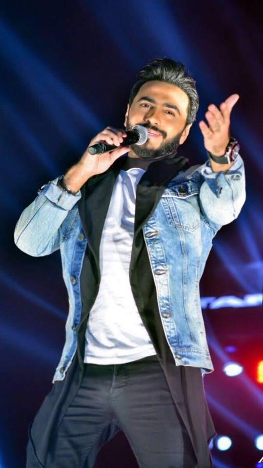 تامر حسني قد يقدم أغنية منفردة في فيلمه الجدي