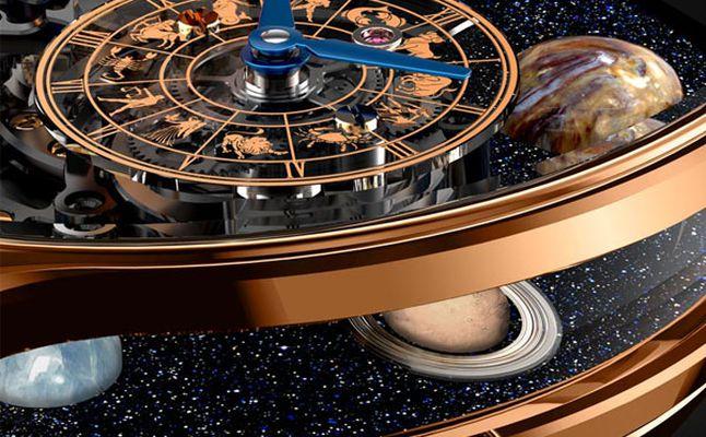 ساعة Astronomia Solar تضمّ الكواكب الثمانية في نظامنا الشمسي