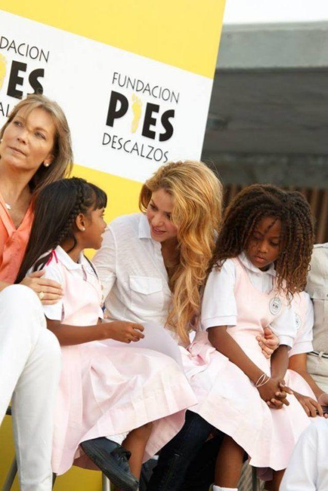 شاكيرا فخورة بطلاب كولومبيا