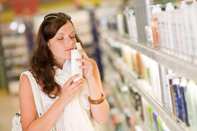 مستحضرات العناية بالبشرة قد تعانين من حساسية منها