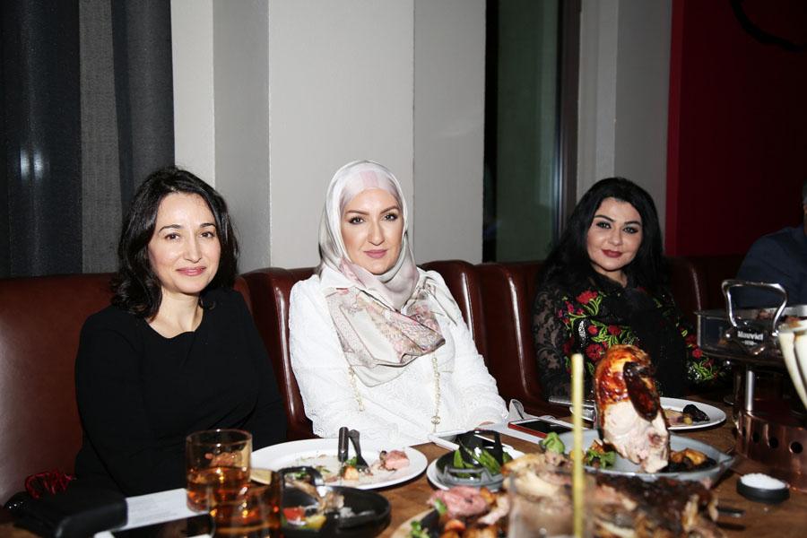 مي بدر مع الدكتورة ديمة باسم والدكتورة جيهان