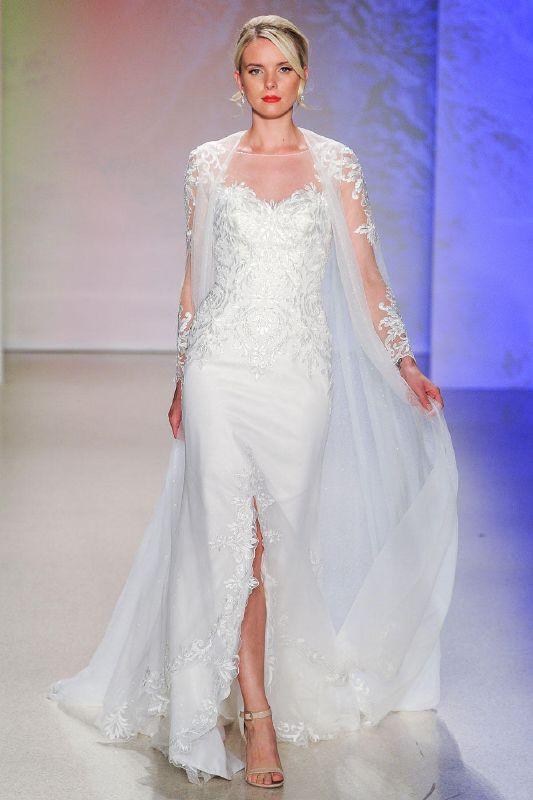 فستان الزّفاف المزوّد برداء