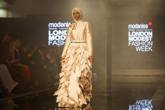 أزياء معرض أسلوب حياة المسلم