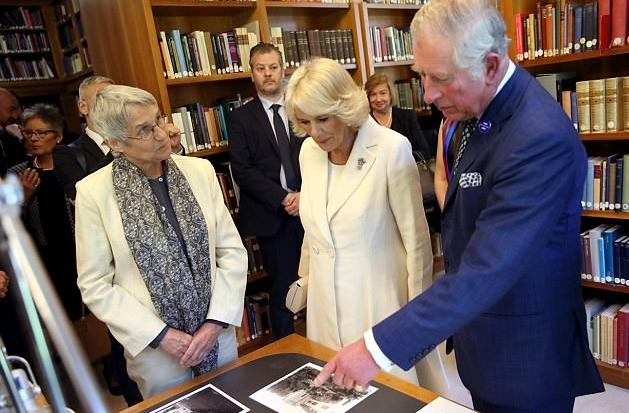 الأمير تشارلزولي عهد بريطانيا وزوجته كاميلا