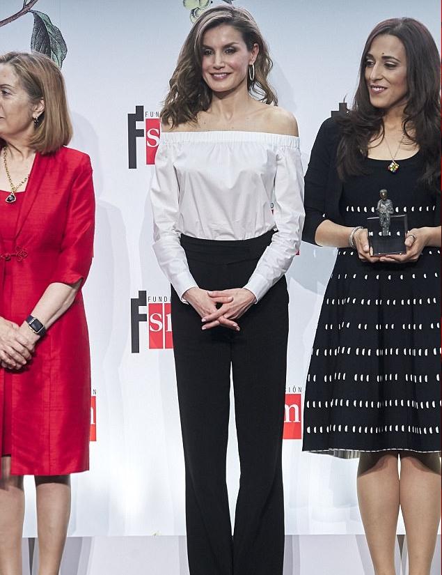 الملكة ليتيزيا في حفل لتوزيع الجوائز الأدبية