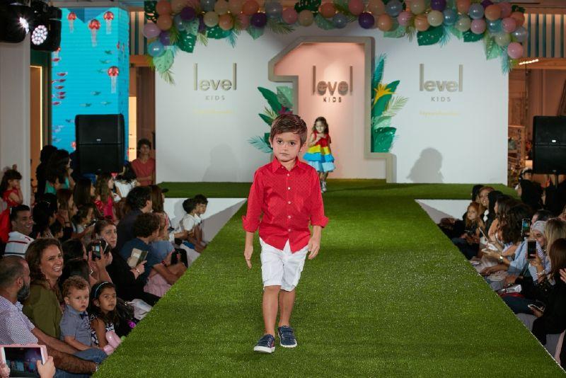 ليفل كيدز يقدم أزياء وتصاميممن دور أزياء محليّة وعالمية