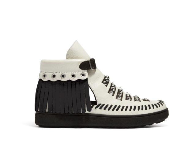 مجموعة Coach أحذية الموكاسين المستوحاة من موسيقى الروكابيلي