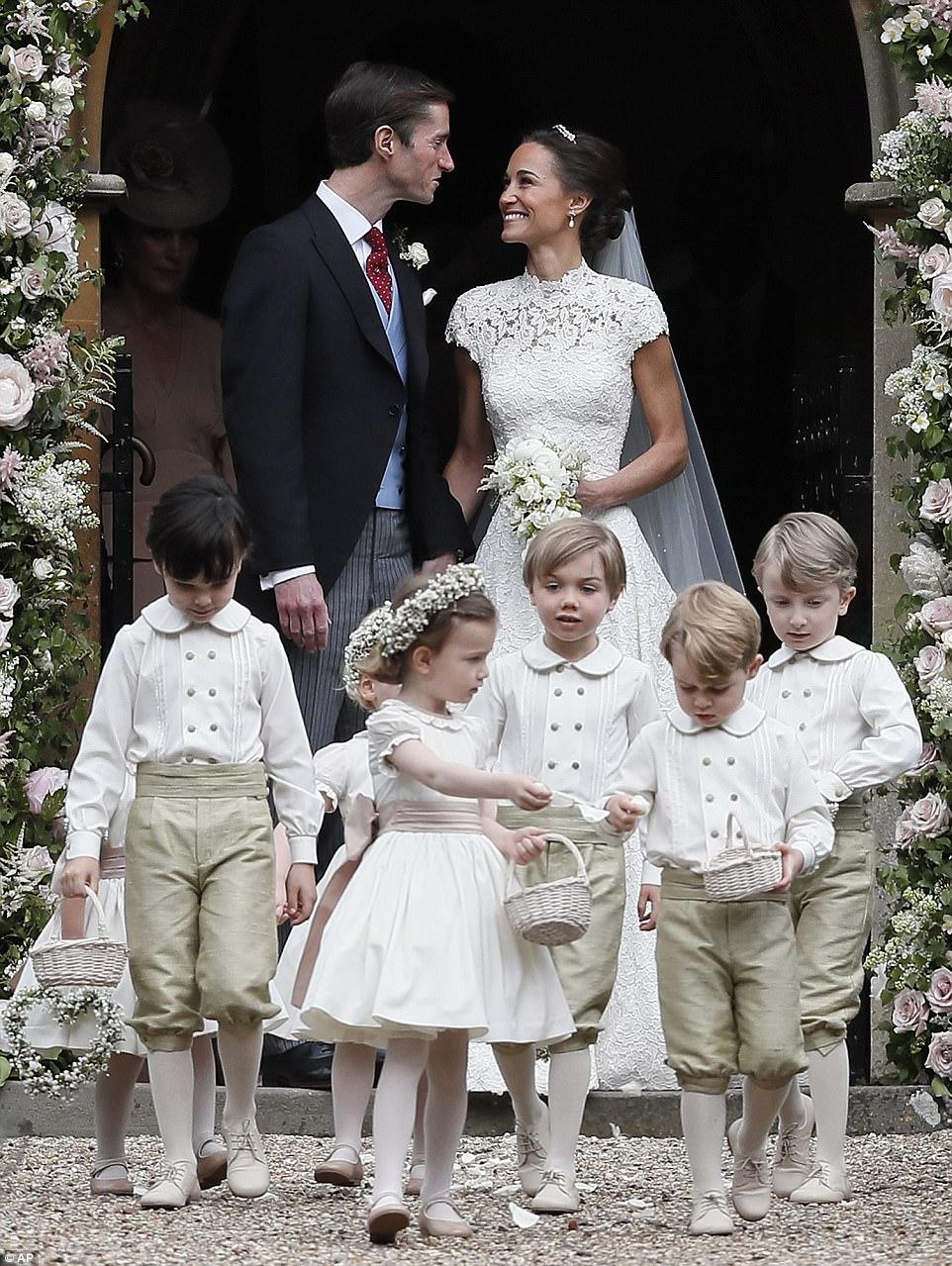 بالصور...أطلالة بيبا ميدلتون الجذابة في حفل زفافها