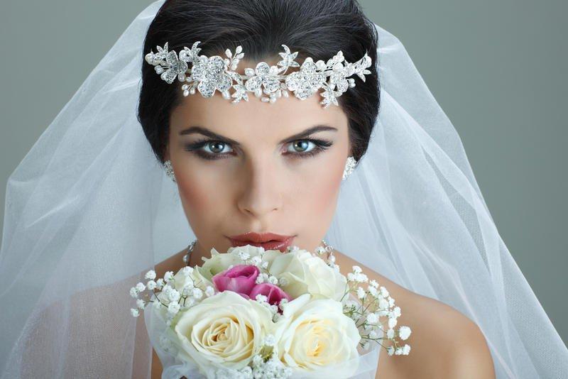 اجمل اشكال اكسسوارات شعر للعروس من انستقرام