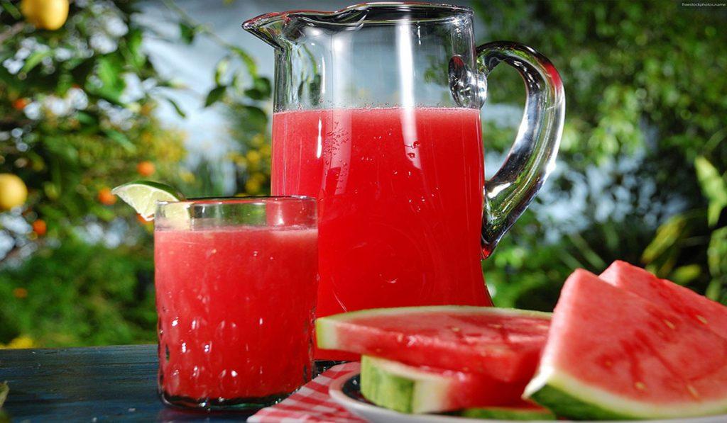 مشروبات رمضان طريقة تحضير عصير البطيخ والموز