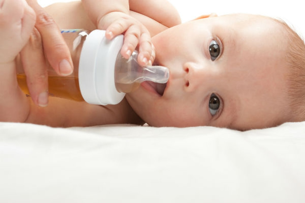 طرق علاج الامساك عند الاطفال بالاعشاب