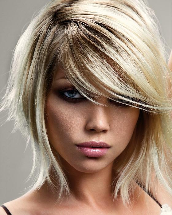 تسريحات الشعر القصير لصاحبات الوجه الدائري