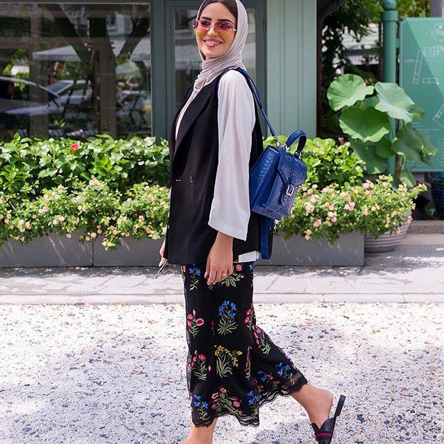 b2948c829ba0e أجمل ازياء الموضة للمحجبات من المدونة فاطمة حسام - مشاهير