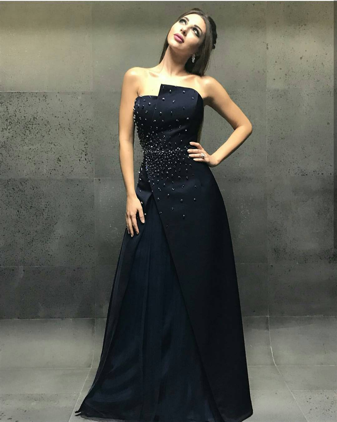 ميريام فارس بفستان أسود